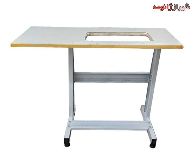 میز با پایه فلزی
